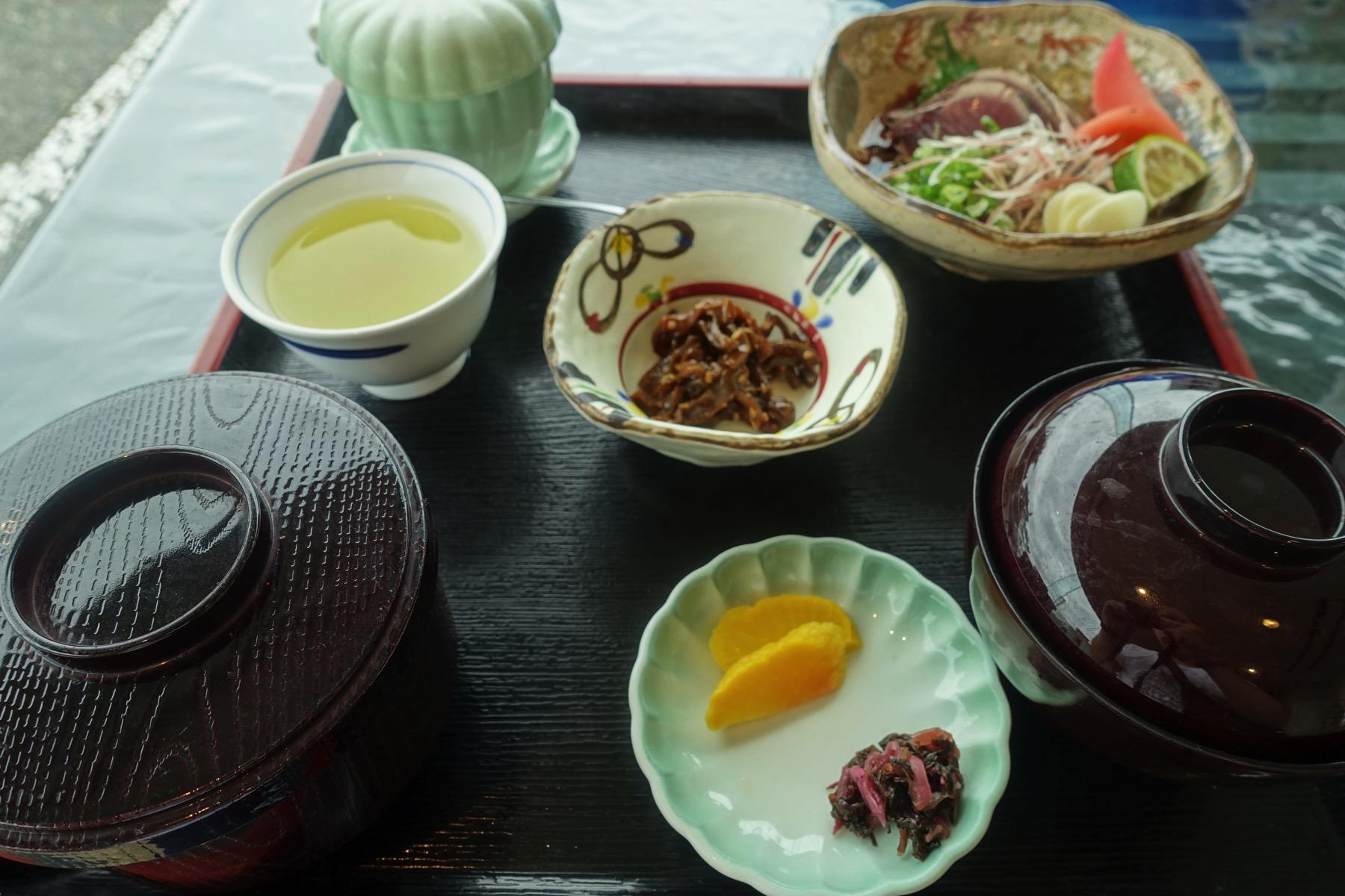 鰹タタキ定食