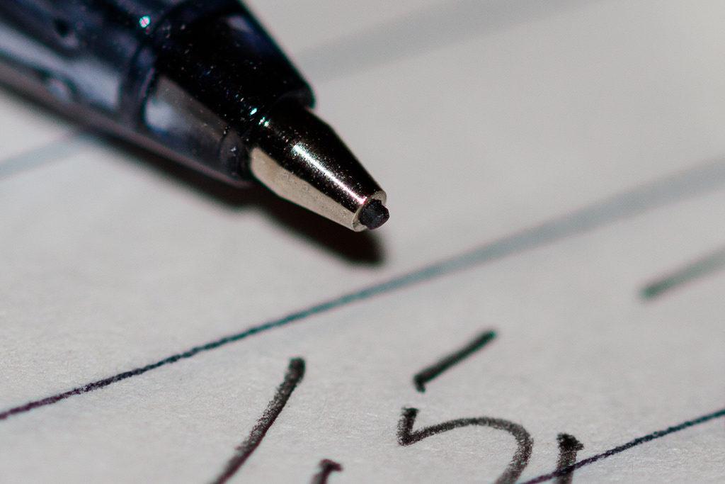 ノートを書いている様子