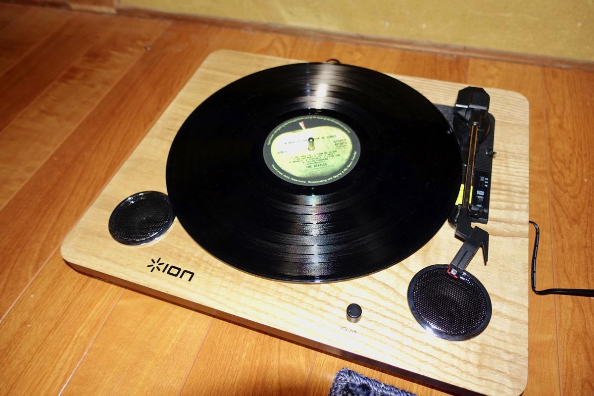 レコードをセットした様子