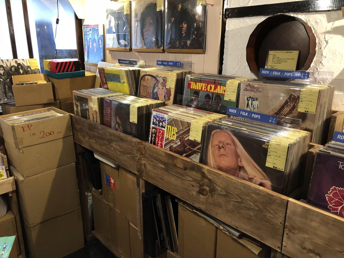 尾道レコードの店内