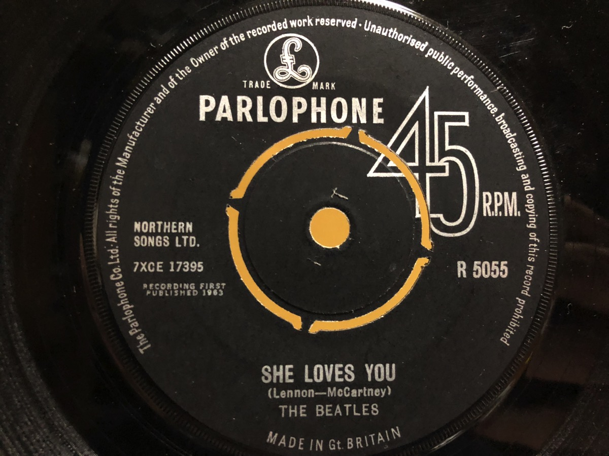 She Loves You I ll Get You のA面