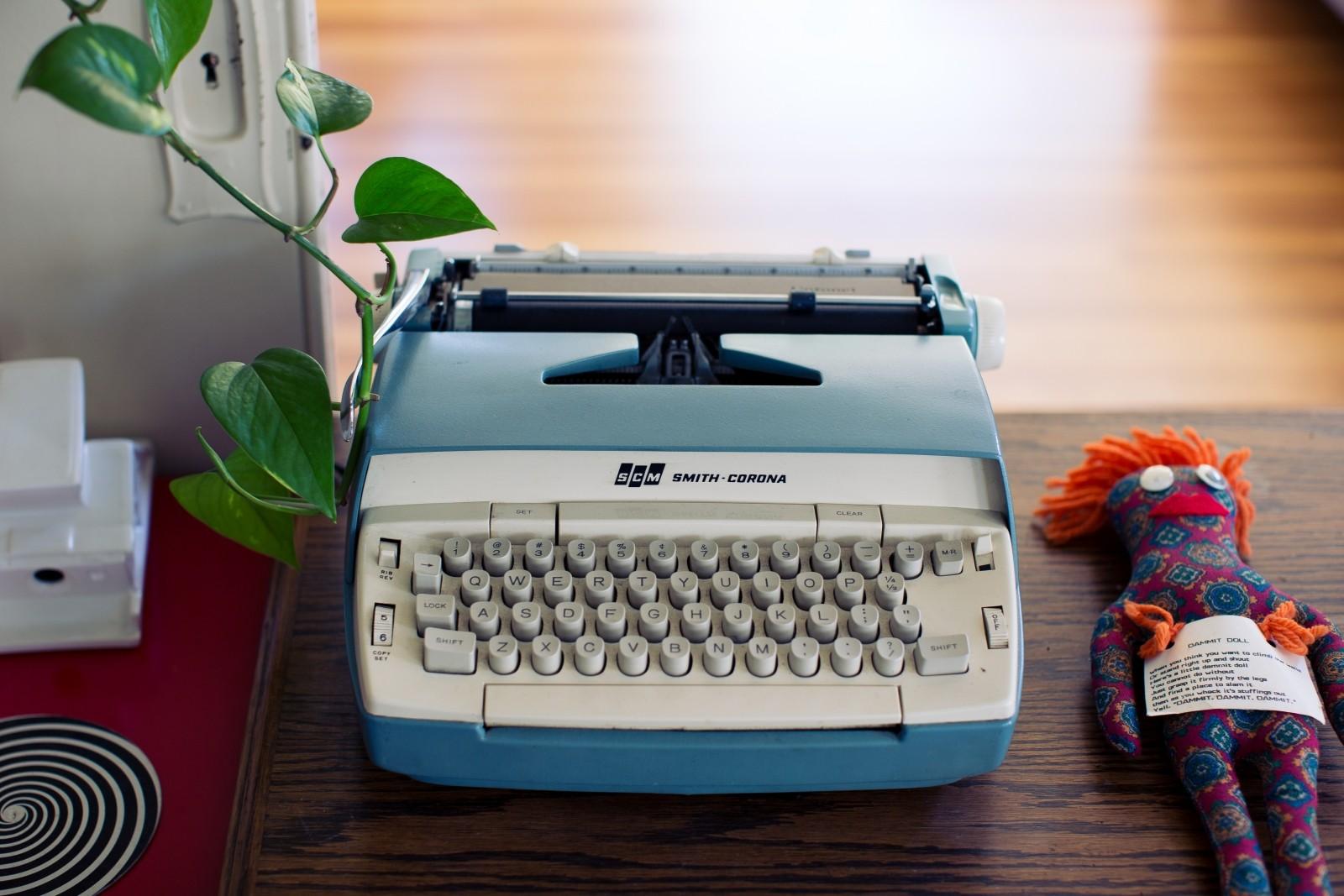タイプライターMarkdowntypewriter-button-electronic