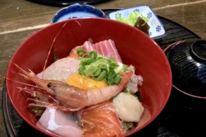 魚家の海鮮丼