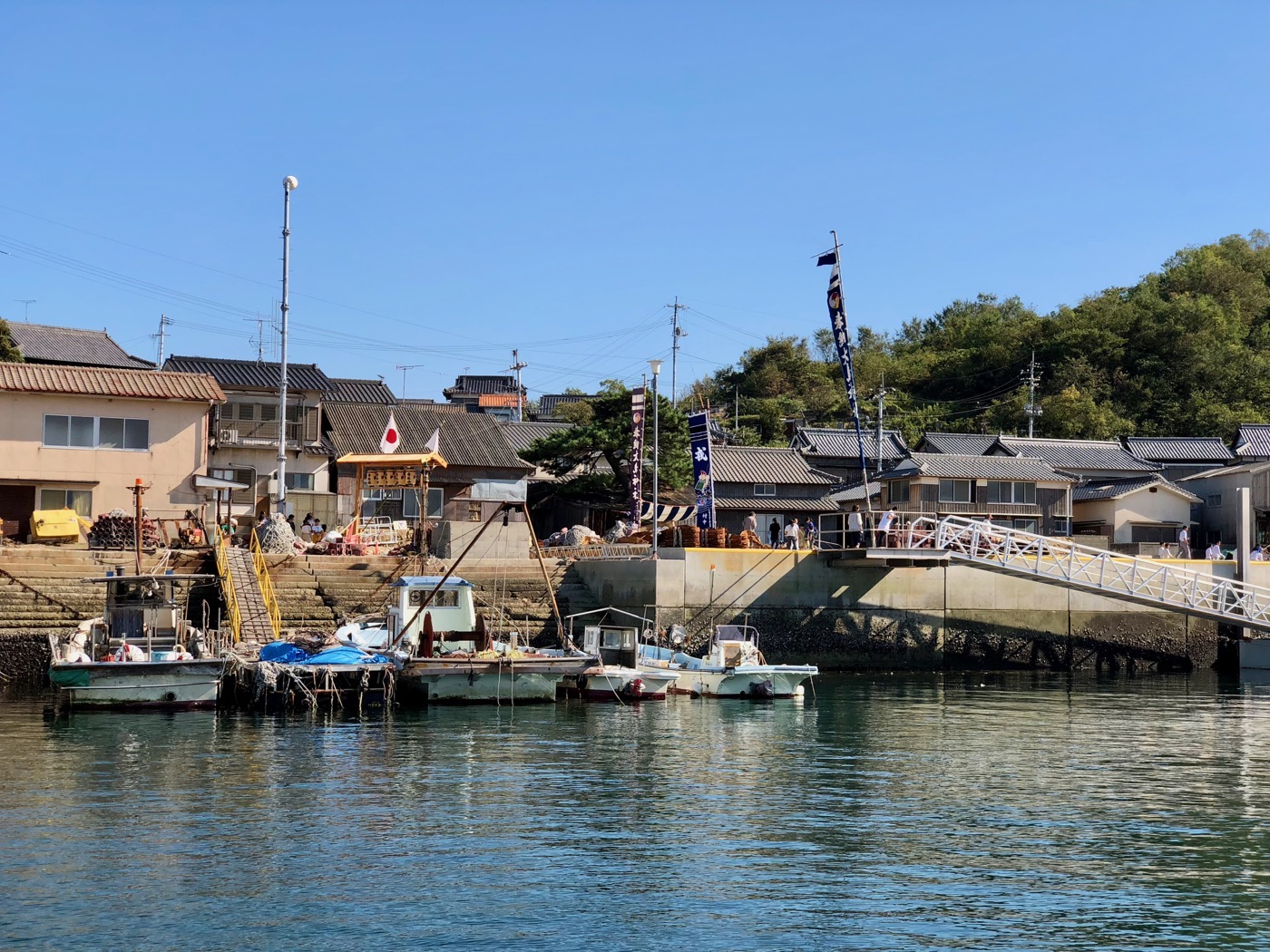 六島の最初の港