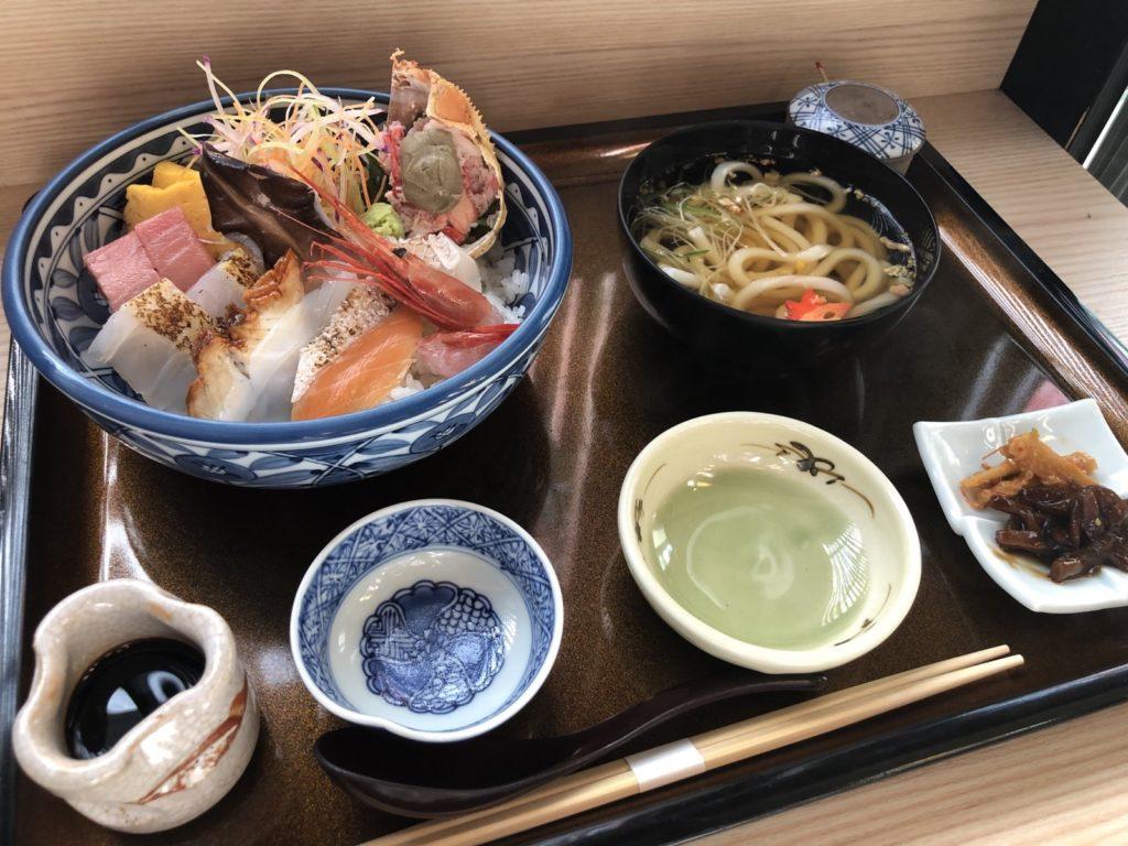 さくら茶屋の海鮮丼