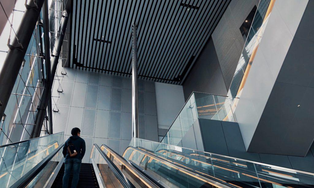 美術館への階段