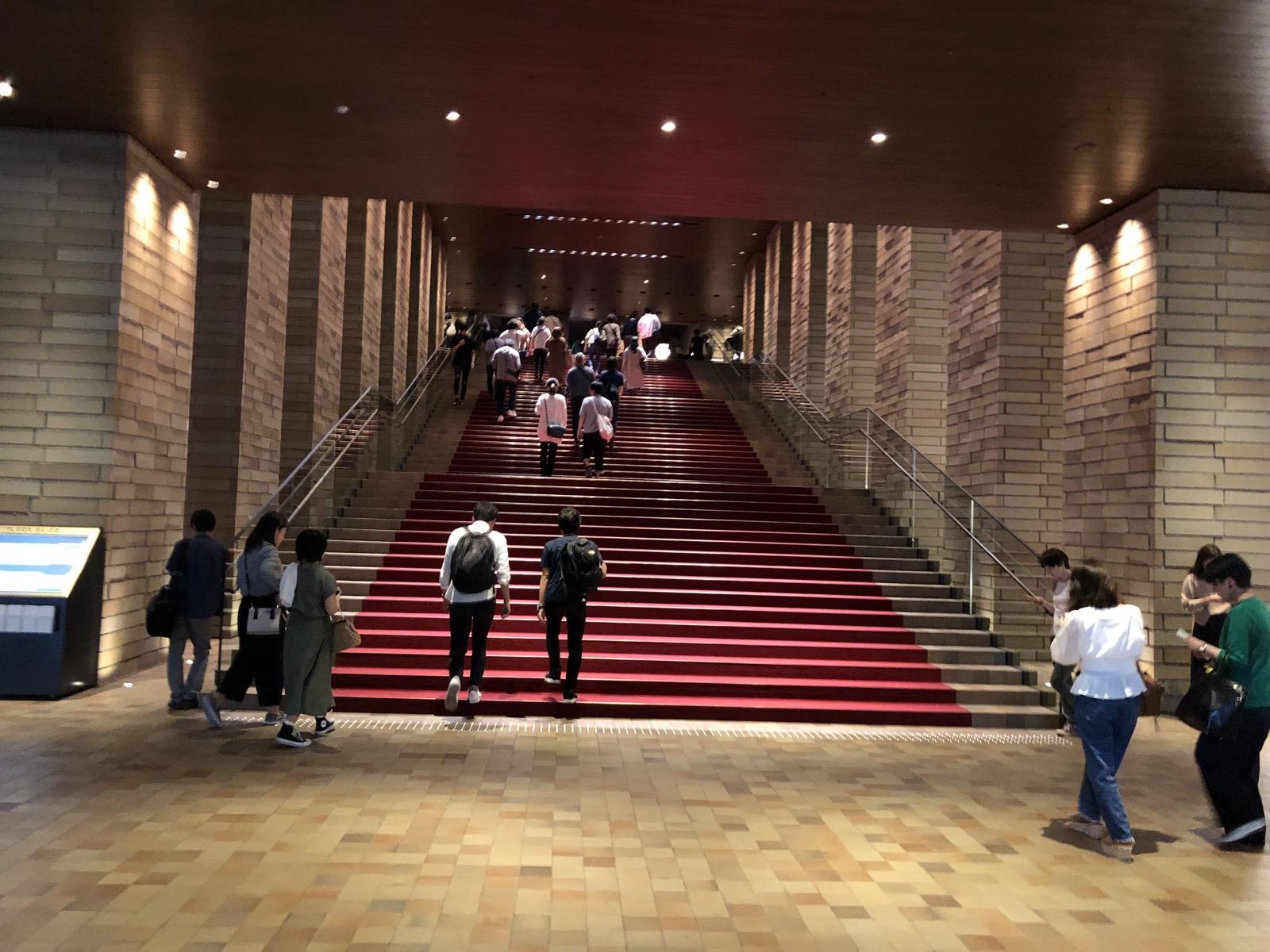 フェスティバルホールの入り口絨毯