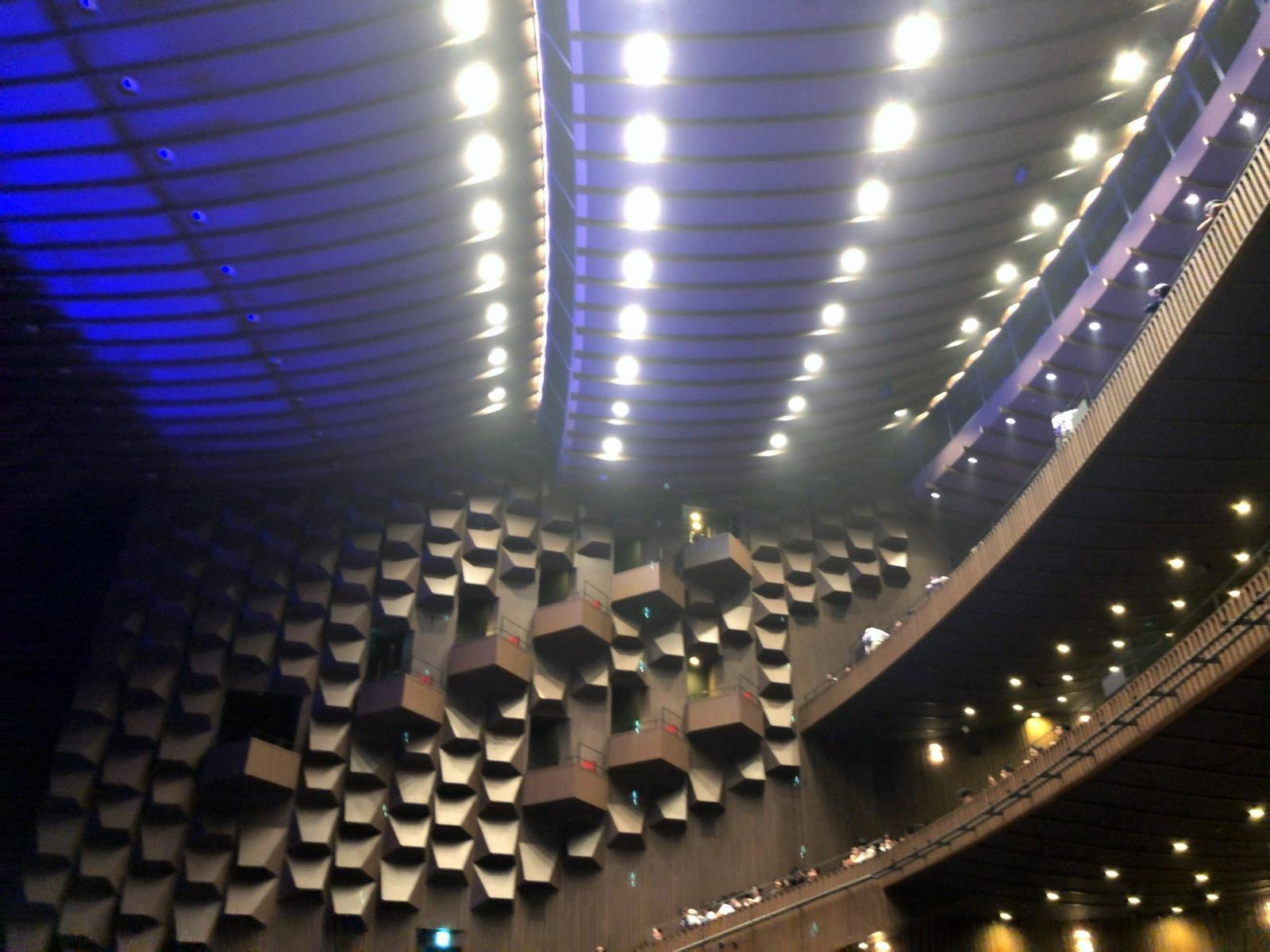 フェスティバルホールの天井